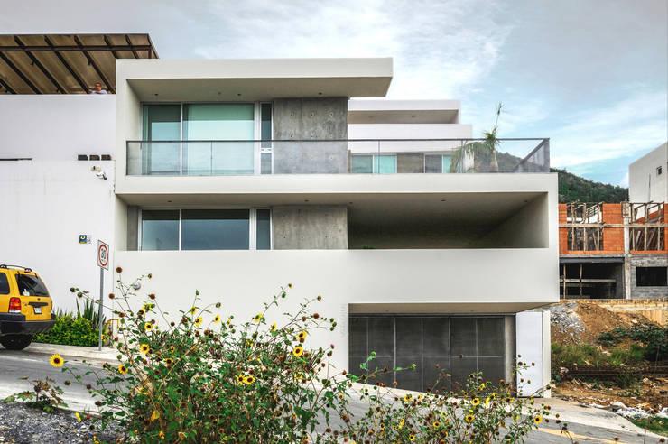 Huizen door P+0 Arquitectura