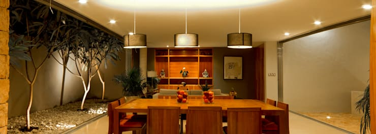 Comedores de estilo moderno de Jorge Bolio Arquitectura