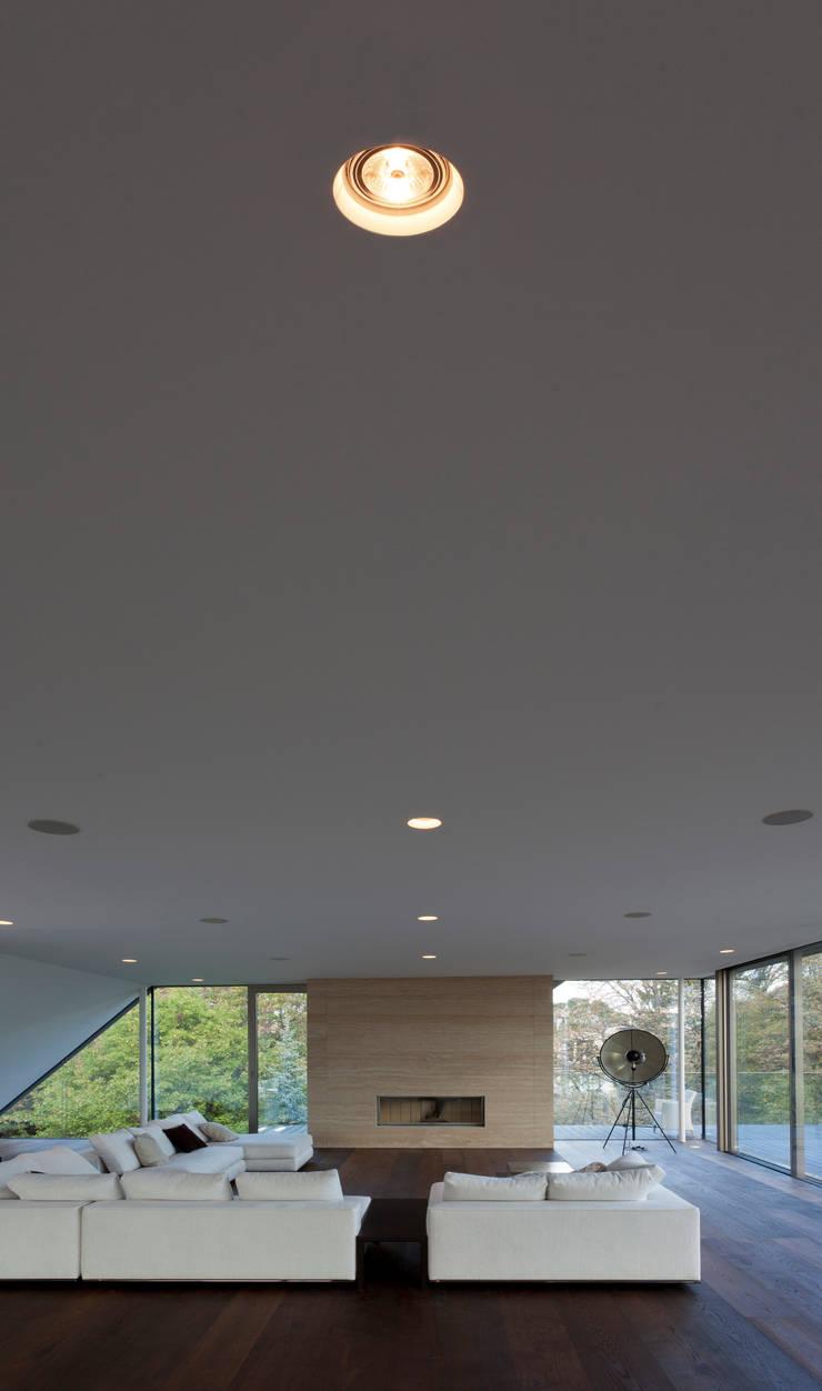 cottagegasse:   von Illuminator,Minimalistisch