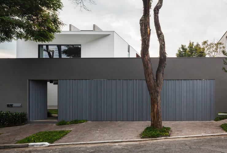 Casas de estilo  por FCstudio