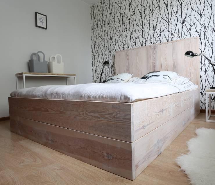 Dormitorios de estilo  por Isladesign