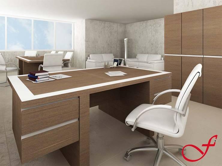 desk - italian style: Complessi per uffici in stile  di Fenice Interiors