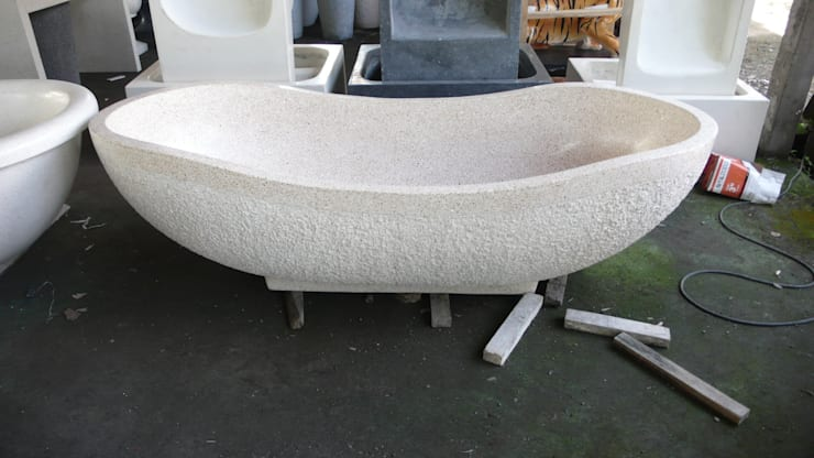 bañera de terrazo: Baños de estilo  de comprar en bali,
