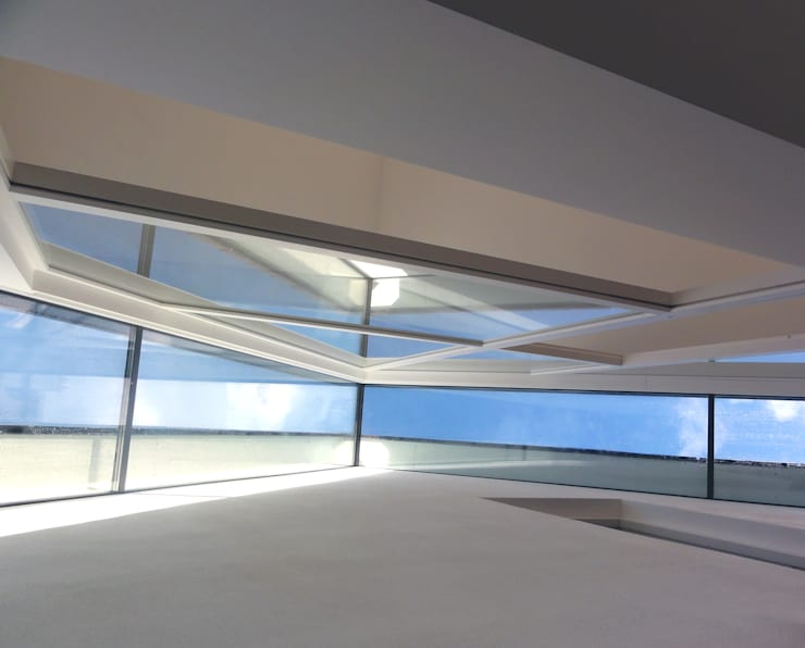 Wohnhaus Fuge:  Wohnzimmer von Haack + Höpfner . Architekten und Stadtplaner BDA