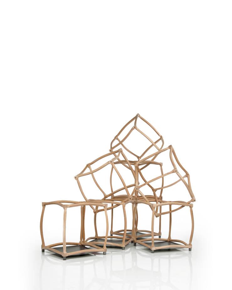 èLUNAPIENA – Infiniti: Soggiorno in stile  di Architetto ANTONIO ZARDONI