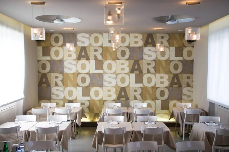 Non Solo Bar: Gastronomia in stile  di Architetto ANTONIO ZARDONI