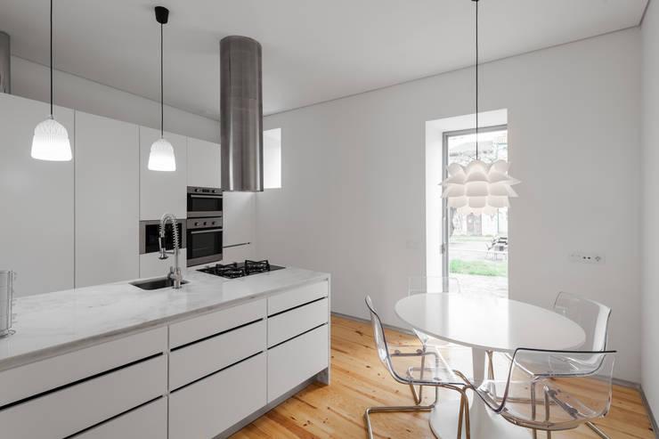 Tiago do Vale Arquitectosが手掛けたキッチン