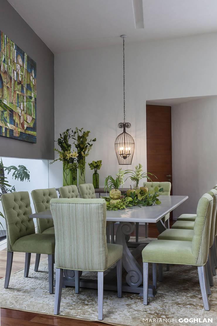 casa Limonero: Comedores de estilo  por MARIANGEL COGHLAN