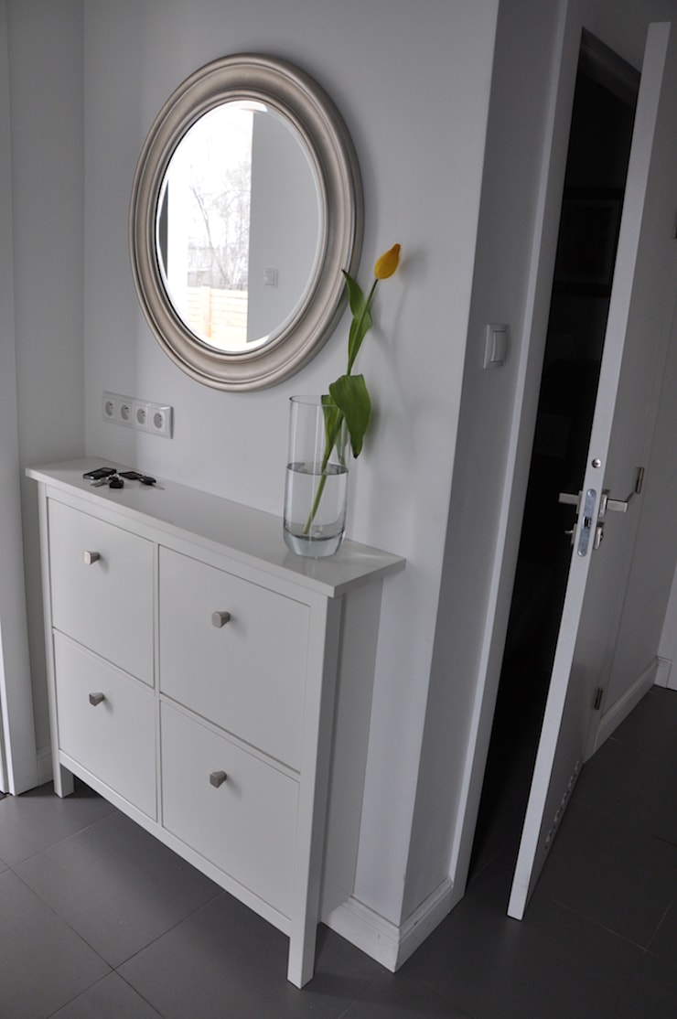Dom O&B: styl , w kategorii Korytarz, przedpokój zaprojektowany przez Pracownia Projektowa Ola Fredowicz,