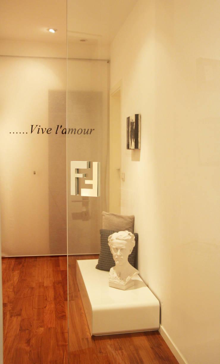 Concept Living:  in stile  di è design. EDILIZIA&PROGETTAZIONE Studio Geom. Giovanni Belei