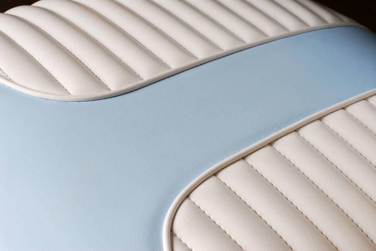 Aquarama chair: Soggiorno in stile  di Marco Morosini Studio