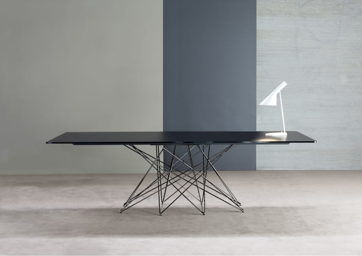OCTA extending table: Sala da pranzo in stile  di BARTOLI DESIGN