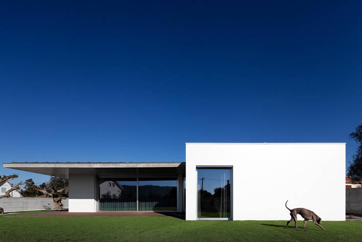 CASA XIEIRA II: Casas  por A2+ ARQUITECTOS