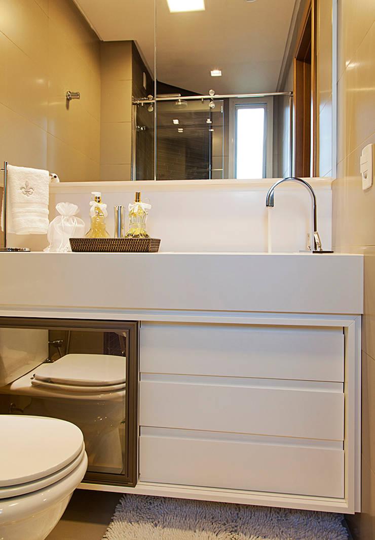Banho: Banheiros  por AL11 ARQUITETURA