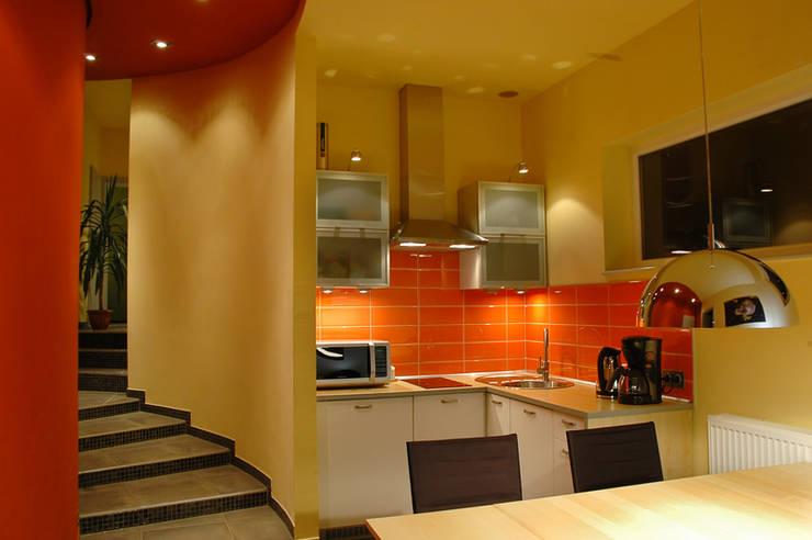 Widok : styl , w kategorii Kuchnia zaprojektowany przez Heliolux Design