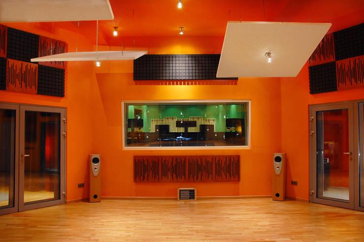 Widok - studio nagraniowe: styl , w kategorii Miejsca na imprezy zaprojektowany przez Heliolux Design