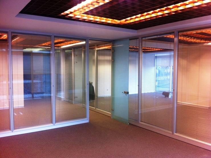 özgarip cam ltd şti – Cam Bölme Ofis Bölme:  tarz Ofisler ve Mağazalar