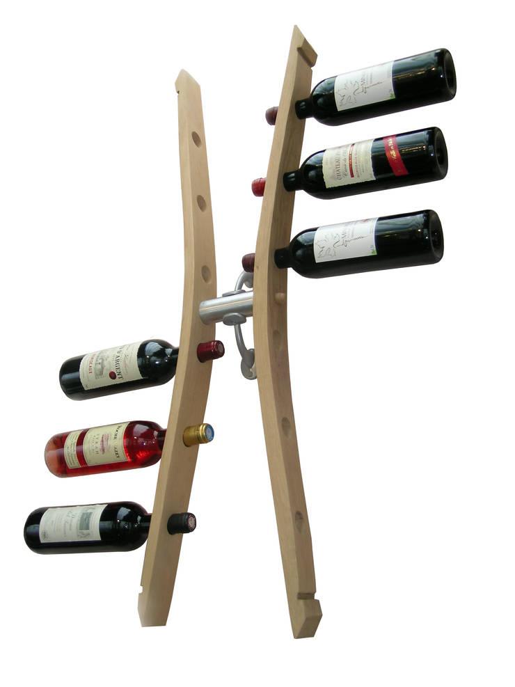 unité de stockage bouteilles de vins, en aménagement de cave, dans la cuisine ...: Cave à vin de style  par  Douelledereve / Eco design construction
