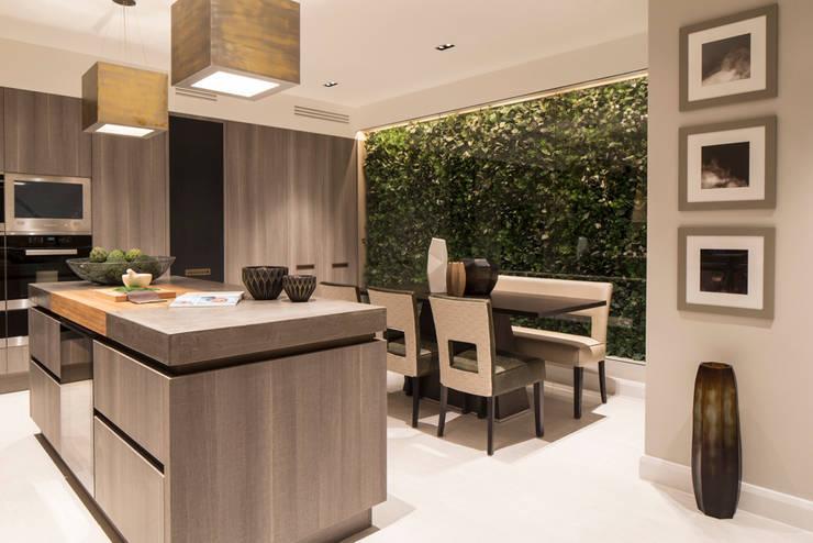 مطبخ تنفيذ Roselind Wilson Design