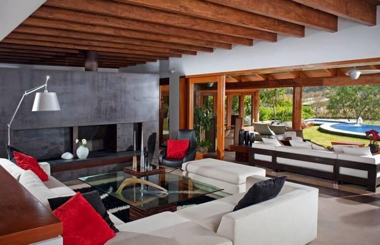 Salas / recibidores de estilo  por Taller Luis Esquinca