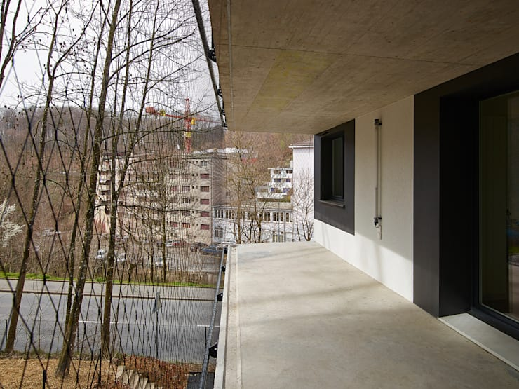 terrasse sur le bois: Maisons de style  par TRIBU architecture