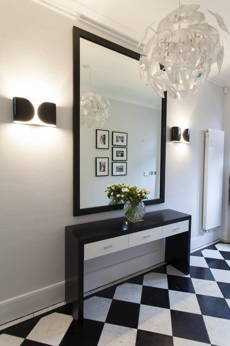 Hallway:  Corridor & hallway by Roselind Wilson Design