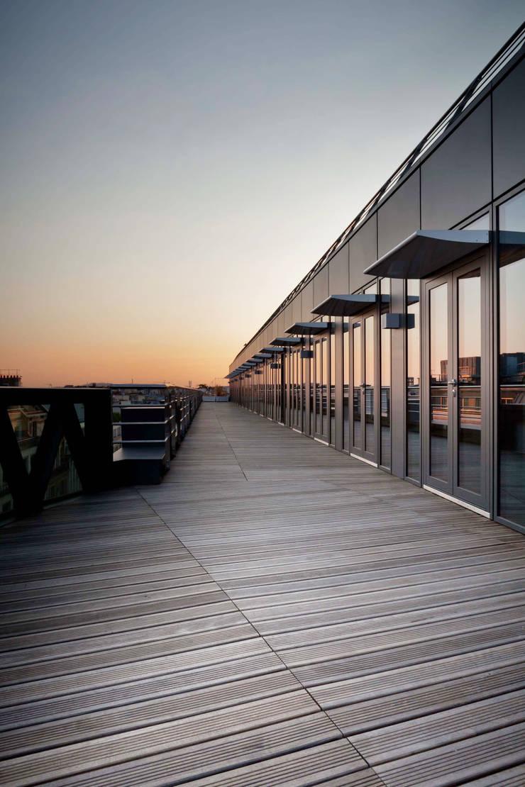 52 Hoche: Bureau de style  par braun + associés architectes