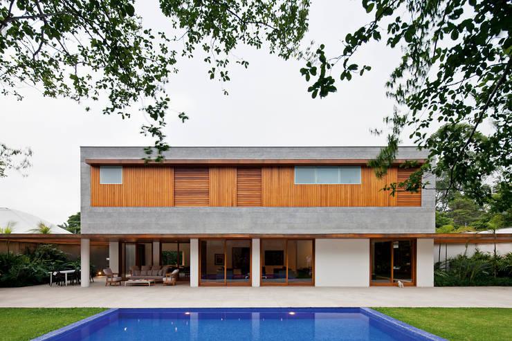 Casas de estilo  por Pascali Semerdjian Arquitetos, Moderno