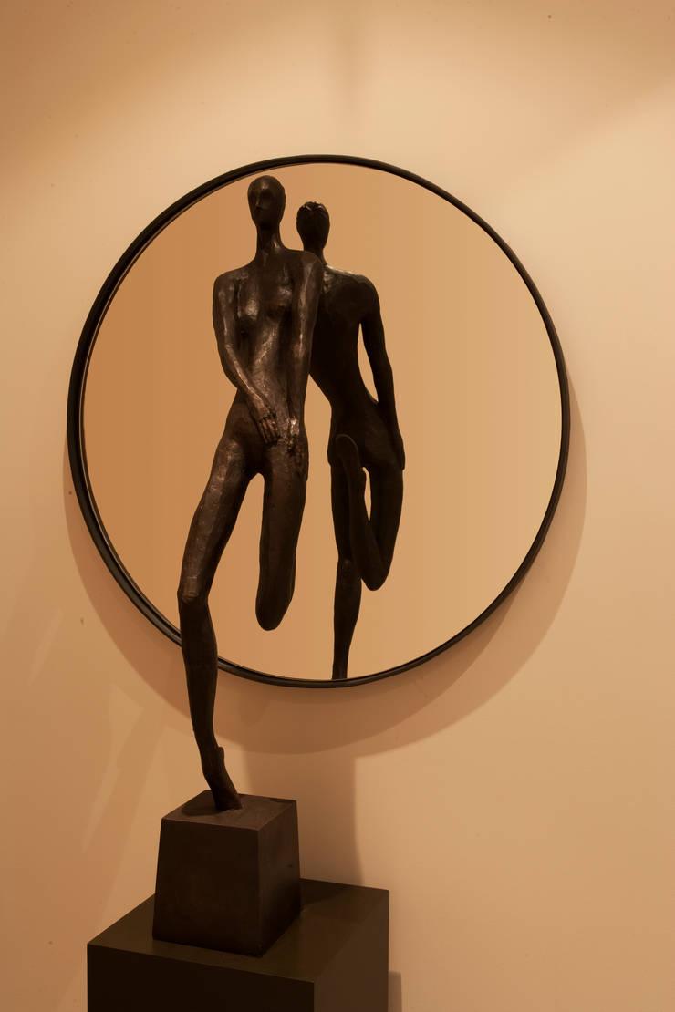 Sculpture:  Artwork by Roselind Wilson Design
