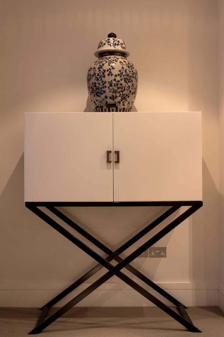 Furniture and Artwork:  Living room by Roselind Wilson Design