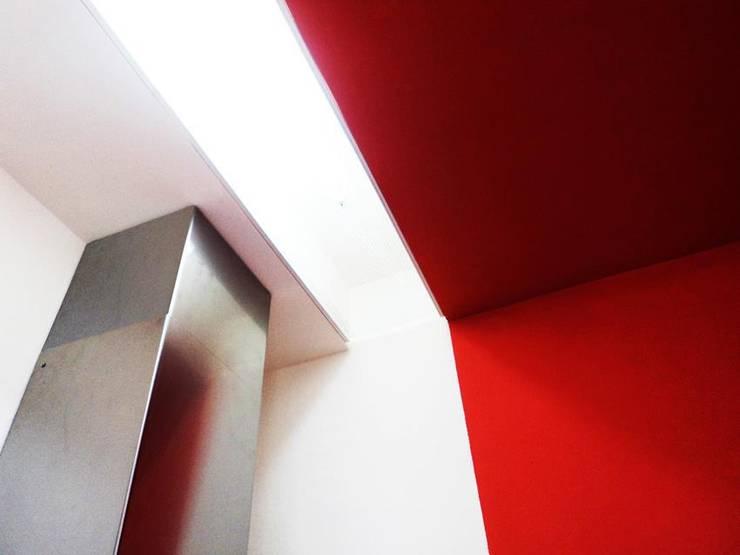 Houses by Castillo|martinez, Modern