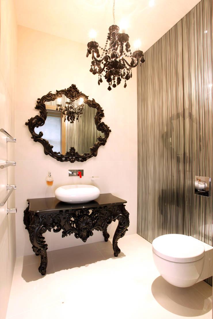 Guest WC:  Bathroom by Roselind Wilson Design
