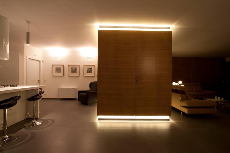 Hogar de estilo  por Laboratorio di Progettazione Claudio Criscione Design