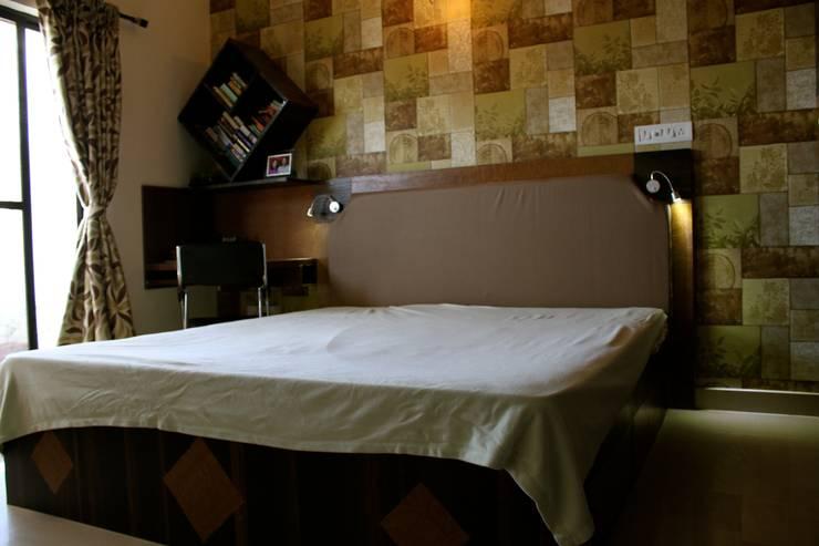 Apartment in Mahadevapura, Bangalore:   by Innover Interior Designs