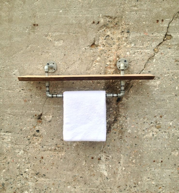 Porte serviette PIPE: Salle de bain de style  par Pür cachet