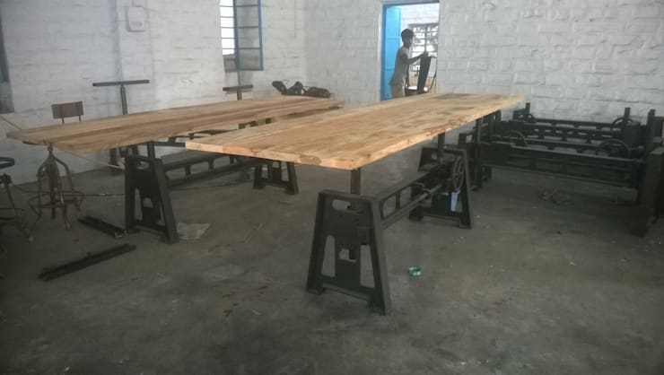 Industrial Mechanical Dining Table:  Dining room by Vinayak Art Inc.