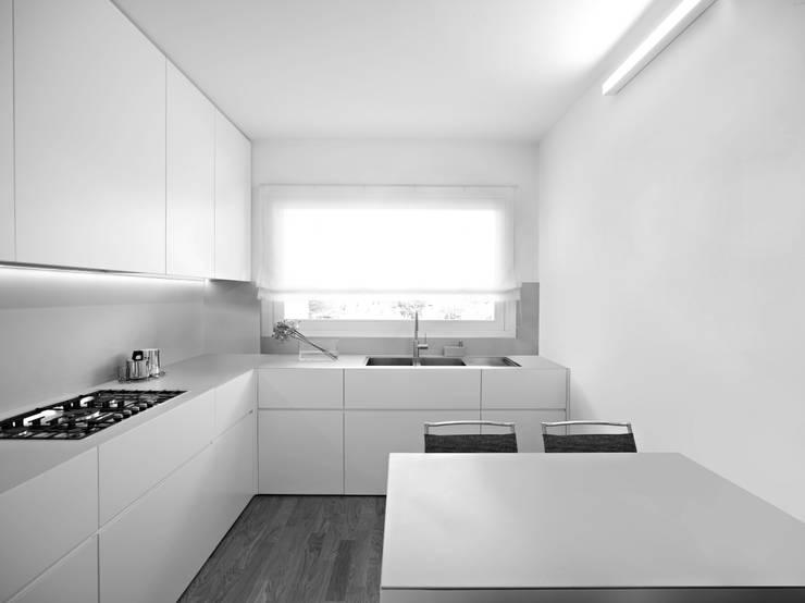 casa p: Case in stile  di Alessandro Corona Piu Architetto