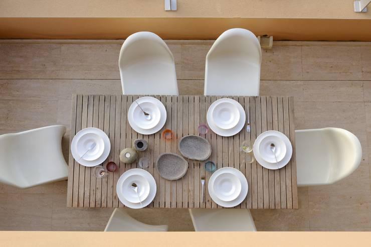 Una casa ad Ibiza:  in stile  di StudioDodici Architettura,  Design,  Interior
