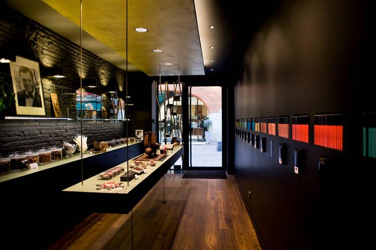 Chocolaterie Bello et Angeli: Locaux commerciaux & Magasins de style  par C