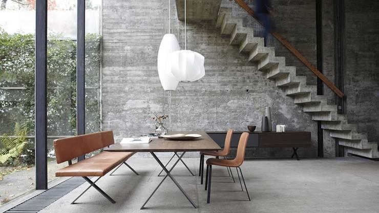Sala de jantar  por gil coste design