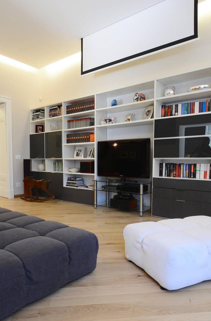 Living room by architetto Marta Silvia Mia Pasquini, Modern