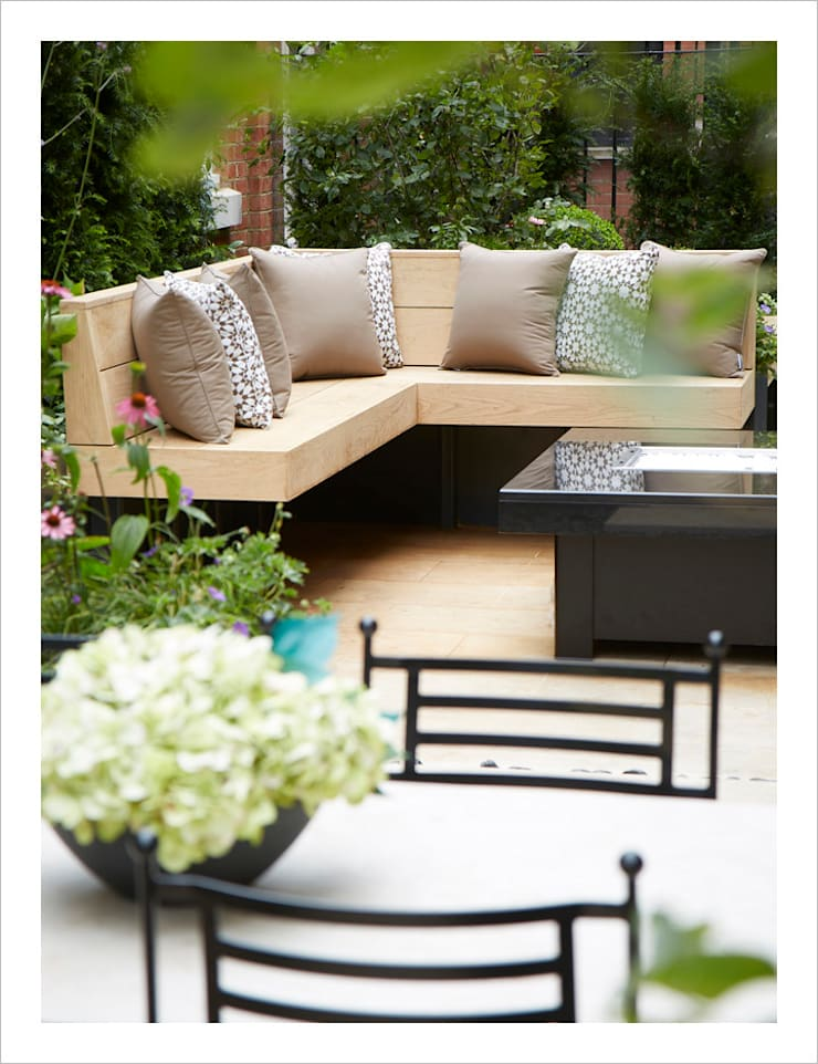 Knightsbridge Roof Terrace - Aralia Garden Design:  Commercial Spaces by Aralia