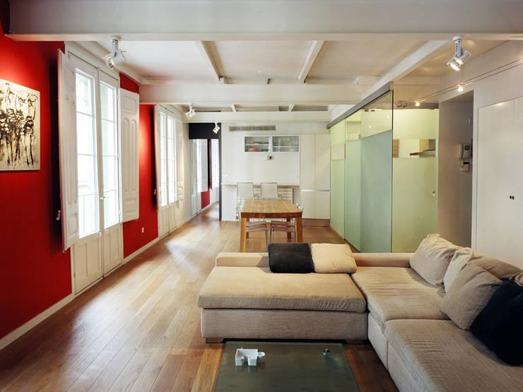 Salon de style de style Moderne par MAGEN ARQUITECTOS