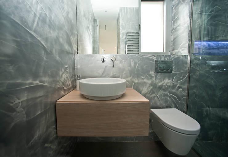 I-Reloaded Bagno:  in stile  di Andrea Vattovani Architecture ZT Gmbh
