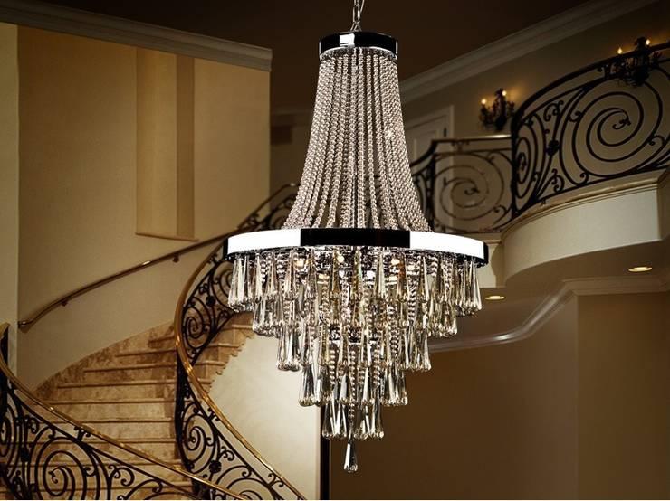 Lámpara Clásica Cristal Palace: Salones de estilo  de Paco Escrivá Muebles