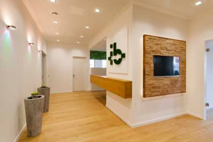 Eingangsbereich:  Bürogebäude von armbruster innenarchitektur,
