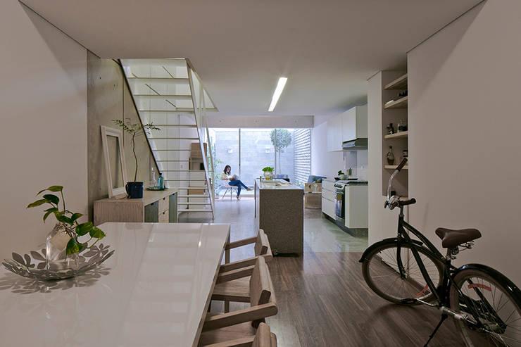Vista Interior: Casas de estilo  por MOCAA,