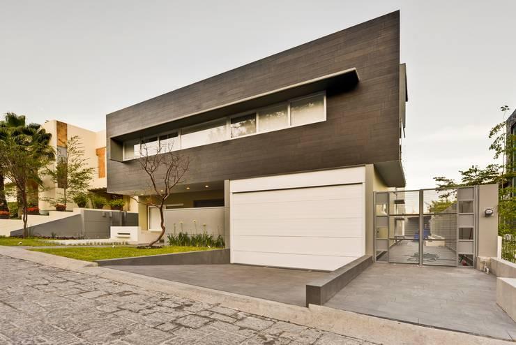fachada Casas minimalistas de Excelencia en Diseño Minimalista
