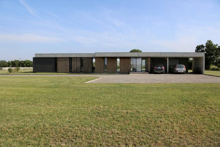 MAISON à LAVERNOSE (31) – architecte S. DELIGNY:  de style  par architecturesdeligny