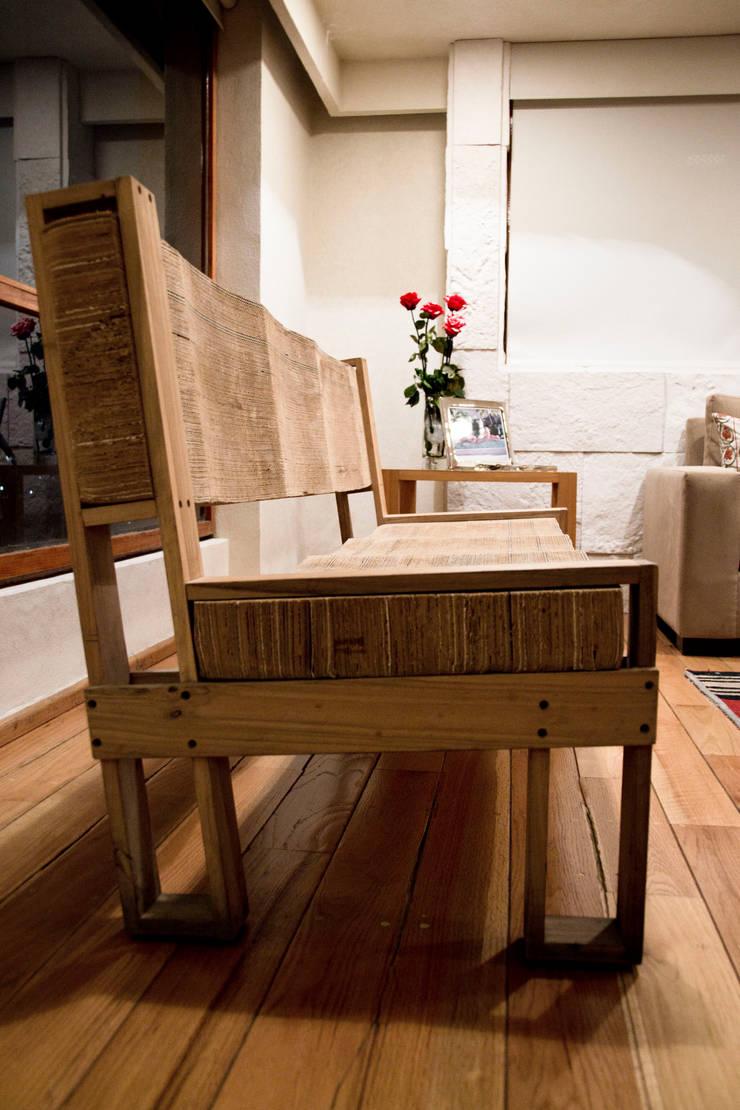 P.H. Bosque de Tejocotes.: Salas de estilo  por REM Arquitectos